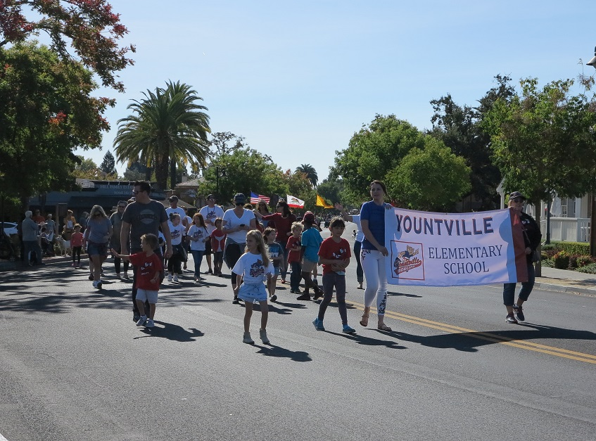 Yountville school parade banner